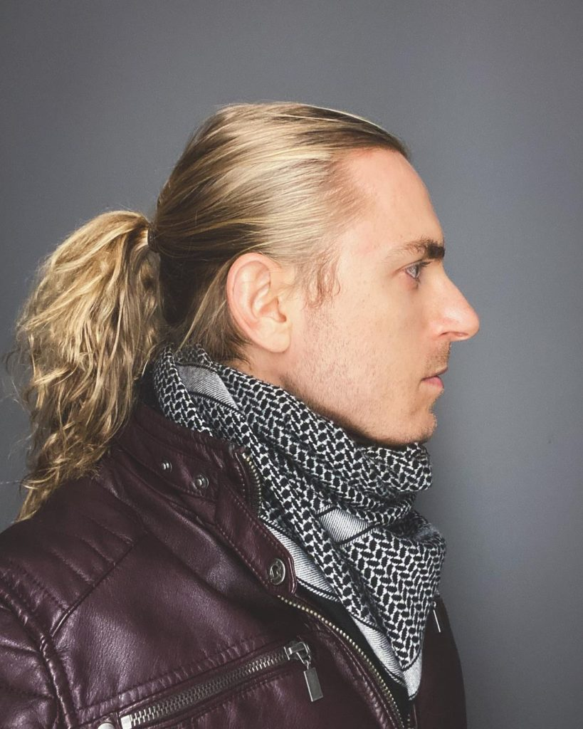 medium long hairstyles for men with tail