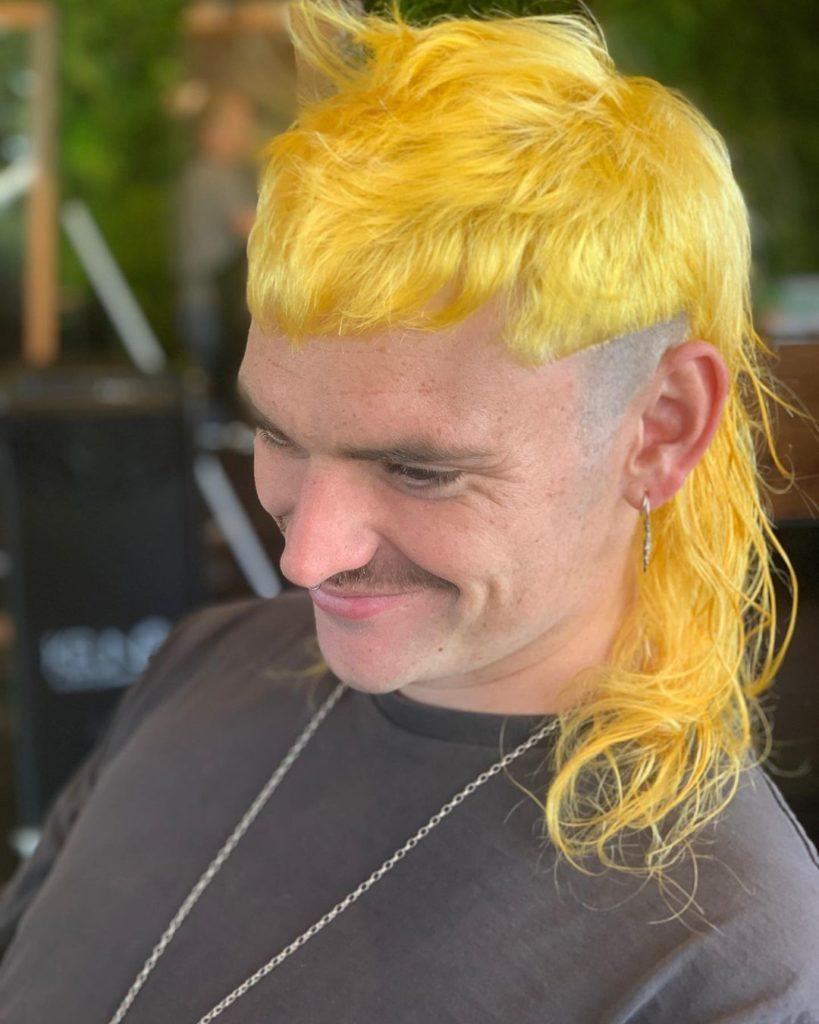 shoulder length hair yellow mullet